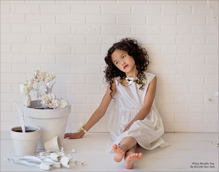 Poetic Summer Whites // Photography and Styling by Shannon Sewell // See the full editorial here: http://www.mini-maven.com/poetic-summer-whites/ #ForeAxelandHudson #NeveAndHawk #SUOAK #Fleur+Dot
