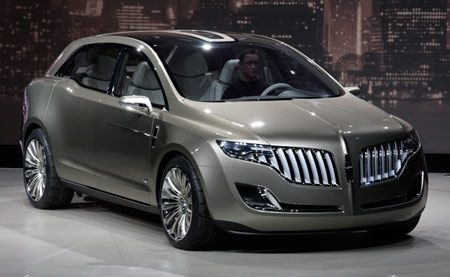 Detroit 2008: Lincoln MKT Concept is bold and bedazzled
