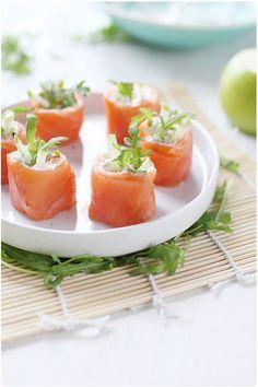 Roulés de saumon fumé à la pomme Granny et pamplemousse/ Rolled smoked salmon with apple and grapefruit