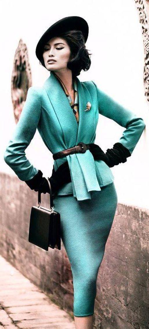 Urban Vintage Chic with a Modern Twist!