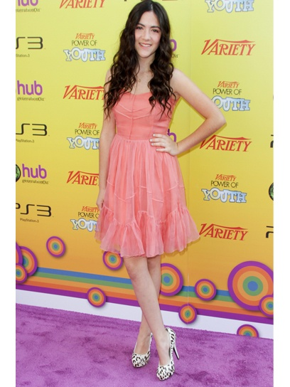 Isabelle Fuhrman as clove (hunger games)