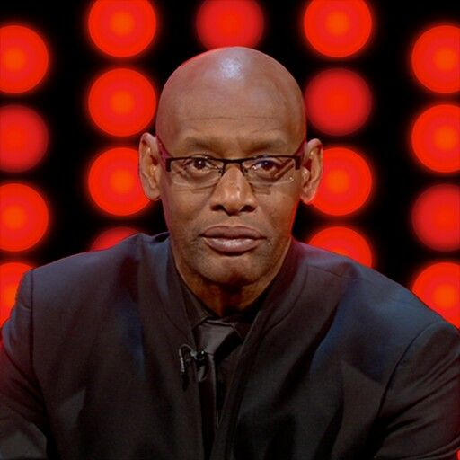 """First Win Against Shaun Wallace-  """" The Dark Destroyer """" on The Chase app for electronic devices. Prize money won: £10,000.00"""