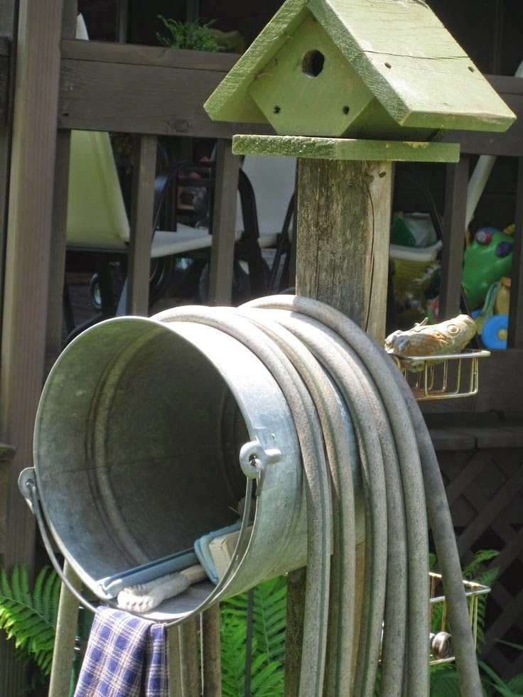 Hose storage ~ love this!!!