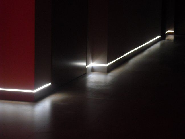 led flush skirting lights | LED lighting as a guide for stairs and hallways in white or other ...