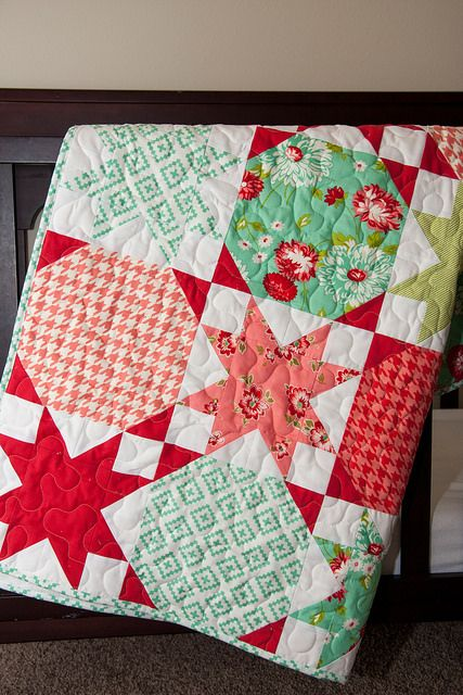 25 Best Ideas About Christmas Quilt Patterns On Pinterest