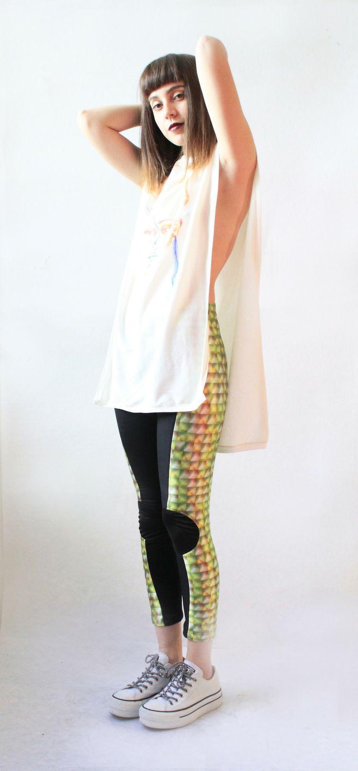 LEGGINGS  por aquí y leggings por allá!!! los leggings más increibles y geniales ever!! Vestir cómoda no es un pretexto para no lucir cool!  Te gusta? pide el tuyo aquí! lo tenemos en una increible gama de textiles!www.kichink.com/stores/lacayo-pez  #green #ice #colors #leggings #black #amanzing #musthave #cool #unique #mexico #trend #fly #inspired #love