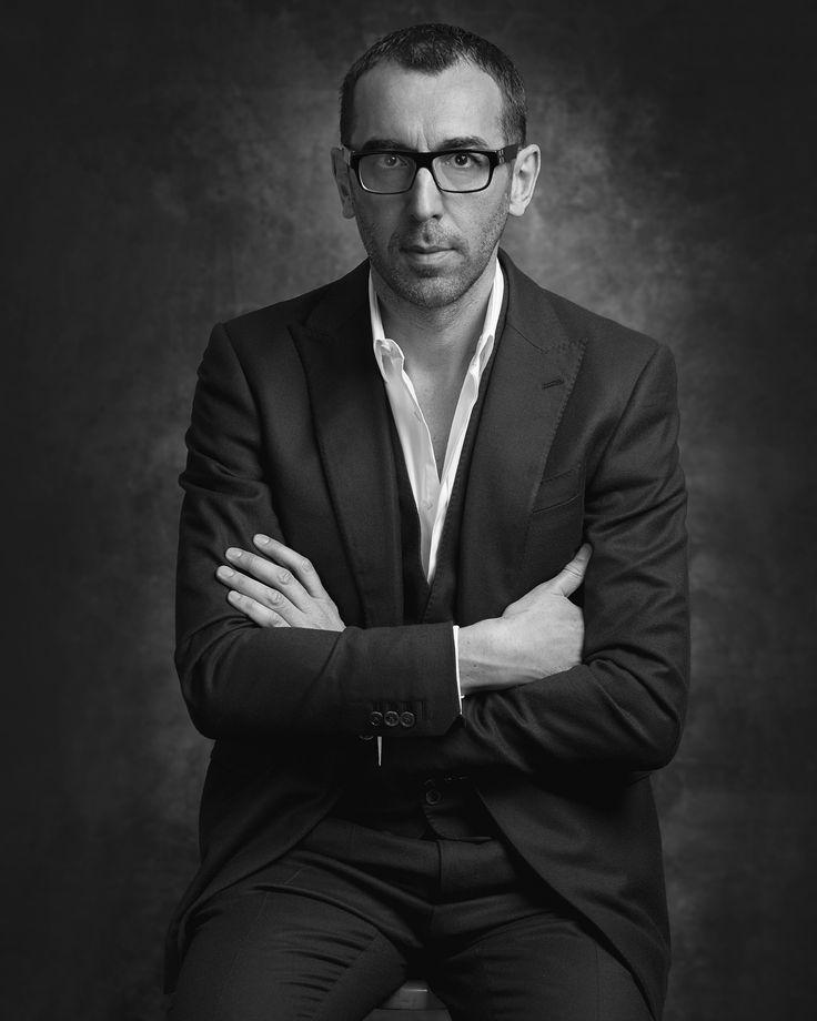 Depuis le départ de Raf Simons chez Dior et Alber Elbaz chez Lanvin, la valse des directeurs artistiques a rythmé l'actualité mode des derniers mois. Aujourd'hui, c'est la mode masculine qui essuie quelques bouleversements avec le départ de trois créateurs. Stefano Pilati chez Ermenegildo Zegna, Alessandro Sartori chez Berluti et Brendan Mullane chez Brioni. Focus.