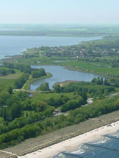Zwischen Achterwasser und Ostsee: Die schmalste Stelle Usedoms.