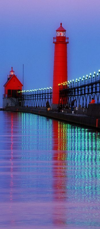 Red LIGHTHOUSE at dusk _____________________________ Reposted by Dr. Veronica Lee, DNP (Depew/Buffalo, NY, US)