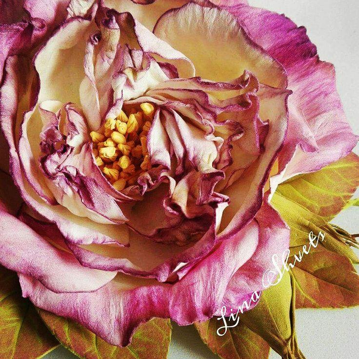 """Różą """" Valencia"""" z irańskiego foamiranu"""