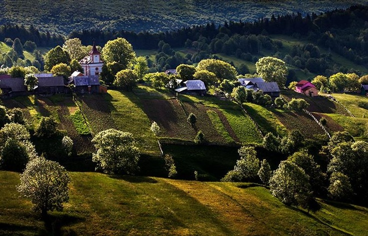 Plesa village, Romania, by Sorin Onisor