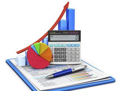 Se llama presupuesto al cálculo y negociación anticipada de los ingresos y egresos de una actividad económica (personal, familiar, un negocio, una empresa, una oficina, un gobierno tambien oara gastos de una receta )durante un período, por lo general en forma anual.