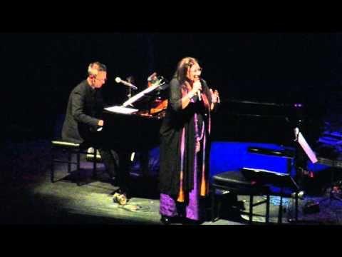 Maria Farantouri ♪ ♥♥ ♪ George Dalaras nieuwe Luxor Rotterdam 12-10-2015 - YouTube