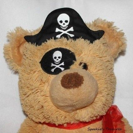 STE011  http://www.spookiestreasures.com/products/ith-pirate-hat-patch-5x7-6x8