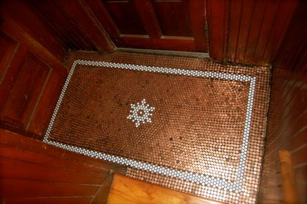 Penny floor with historic hex tile!  So sweet !