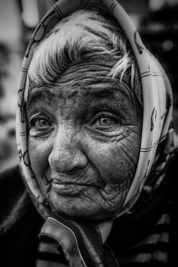 by Ömür Kahveci