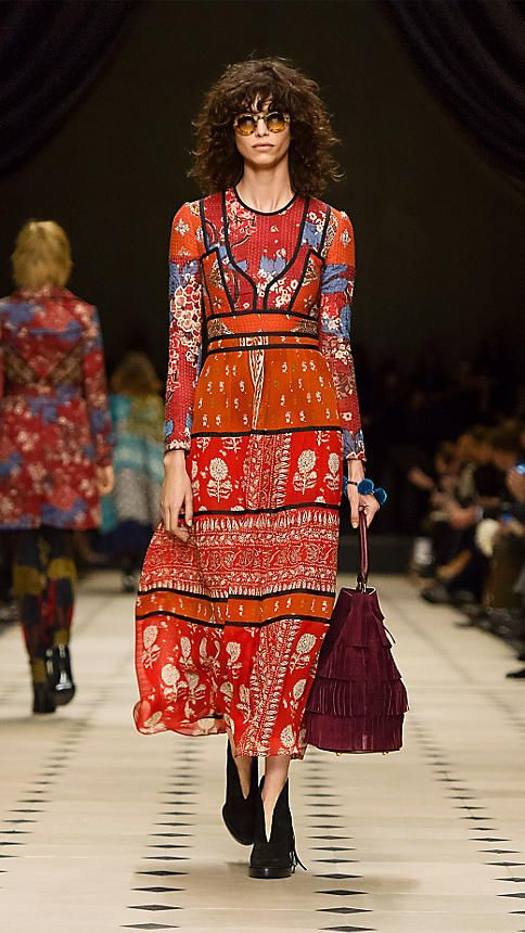 Military red Patchwork Print Silk Empire Line Dress - Image 4