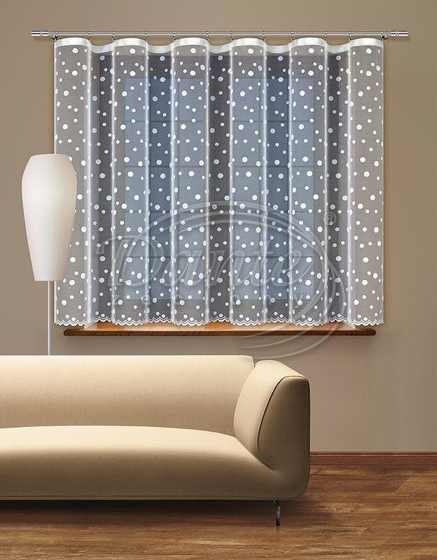 Záclona ABLIA bílá     Celoplošně potištěná bílá záclona s moderním vzorem.     Dolní okraj záclony je tvořen malými vlnkami.     Díky celoplošnému vzoru můžete záclonu použít i do soupravy na okno a balkon.