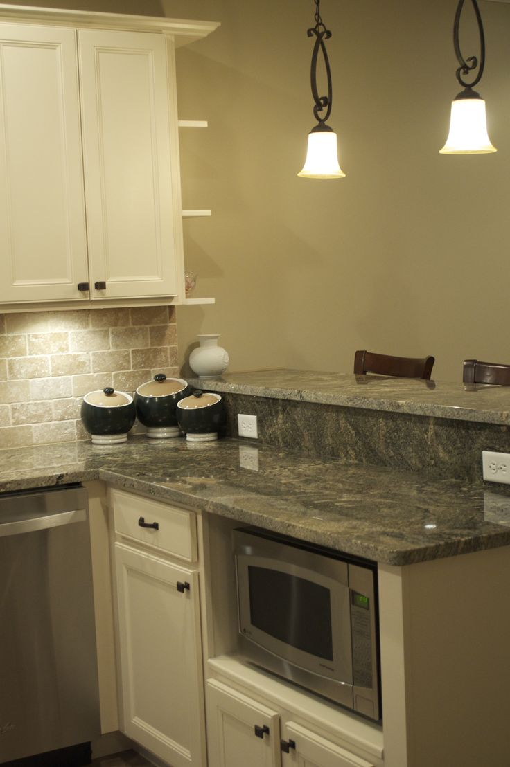 Antique White Cabinets White Cabinets And Granite On