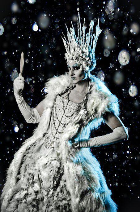 Cirque Pyromantic Ice Queen Stilt Walker