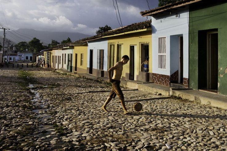 Mc Curry in mostra il calcio giocato sui campetti del mondo