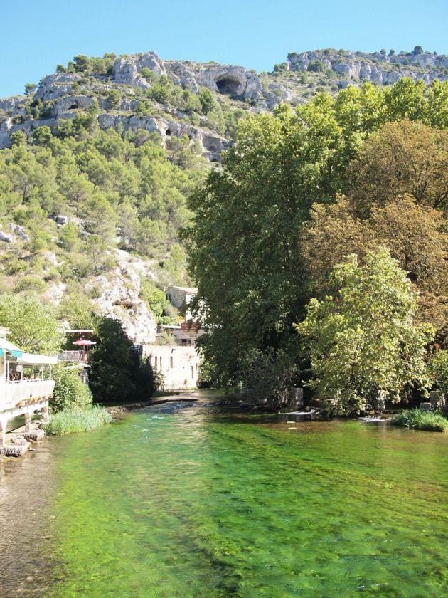 Fontaine-de-Vaucluse : une merveille du #Lubéron