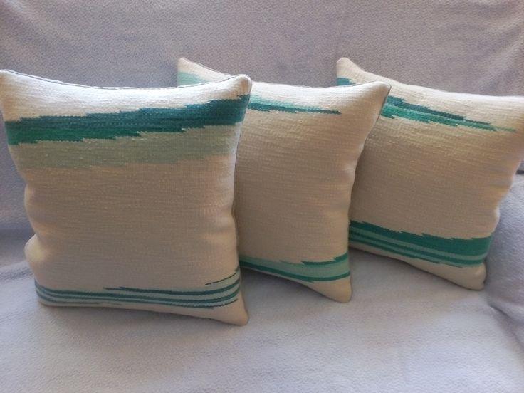 #Díszpárna, kézi szövésű, egyedi tervezés alapján Anyaga: fésűs gyapjú, 40 fokon mosható Mérete:35 x 38 cm @@kezmuvesportam