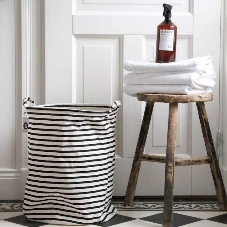 House Doctor - Laundry Bag Large - Mand - The SHOP Online Herentals A stylish Laundry Bag from Danish designer label House Doctor. These striped laundry baskets are super useful for almost anything you like. Use them for laundry, toys or even shoes. Use