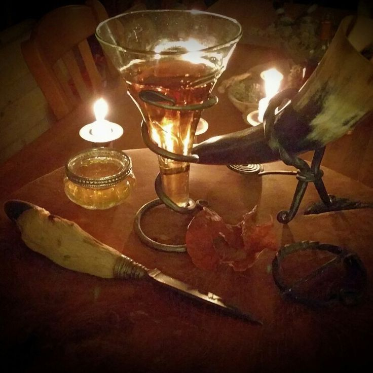 Mead-ceremony: mead is the gold of the gods. Drink mead at your ceremonie and feel the blessing of the gods.