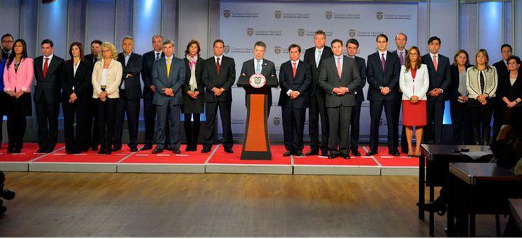 Santos nombra nuevos ministros en el gabinete presidencial  http://musabesailefayad.com/santos-nombra-nuevos-ministros-en-el-gabinete-presidencial/
