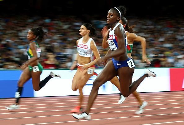 Dina Asher Smith (GB) wins semi final 200m at 2015 WC in 22.12 sec