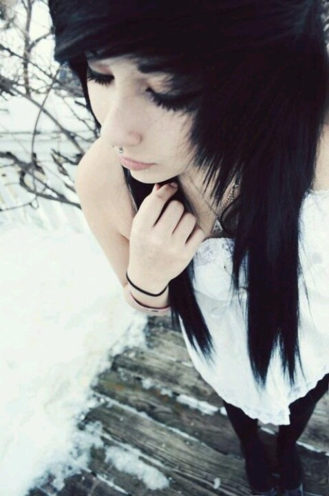 I miss him... Ive started cutting again... I just want a friend to talk to. *I cry* -Daily
