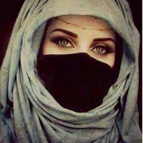 Image via We Heart It https://weheartit.com/entry/160506005 #femme #islam #hidjab #yeuxvert