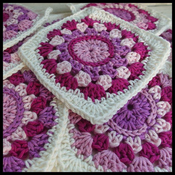 mormorsrutor, mormorsruta, granny square, granny squares, mönster, virkmönster, gratis virkmönster, färglatt, virkat, virka, virkblogg, crochet, crochet blog,