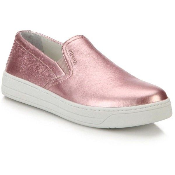 Prada Metallic Leather Skate Shoes (4.900 ARS) ❤ liked on Polyvore featuring shoes, sneakers, apparel & accessories, cushioned shoes, prada sneakers, leather trainers, metallic slip-on sneakers and leather skate shoes