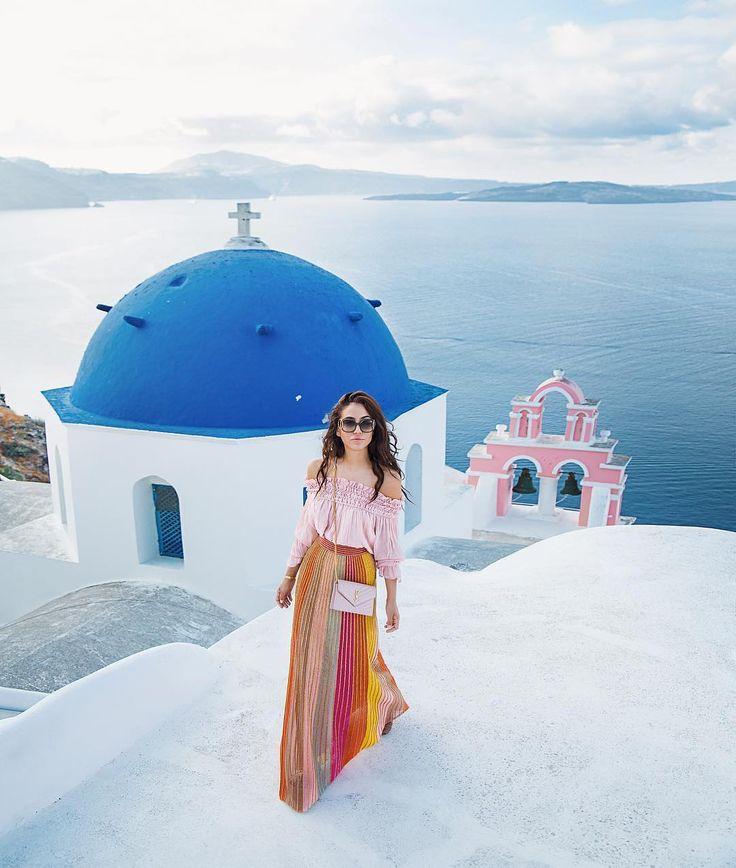 Thanks #TamaraKalinic for this amazing postcard from #Greece #Santorini #mmissonitravelstheworld ❤️ #MMissoni