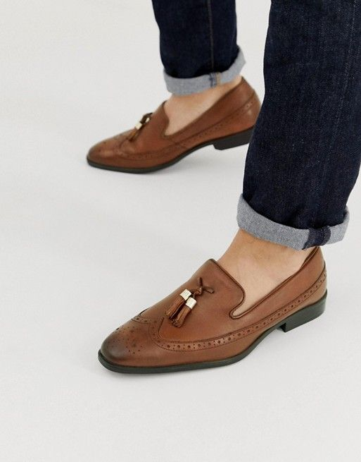 d372443dca4 DESIGN brogue loafers in tan leather with gold tassel detail ...