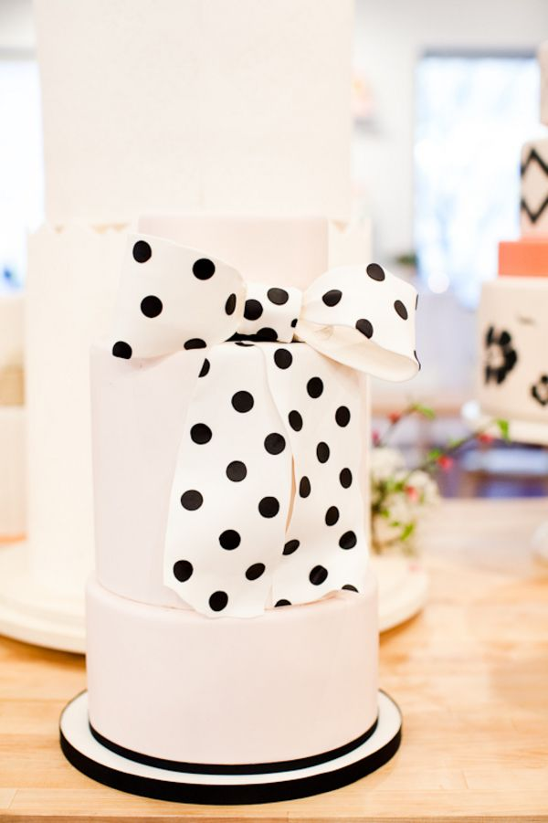 black and white polka dots wedding cakes! I love this!