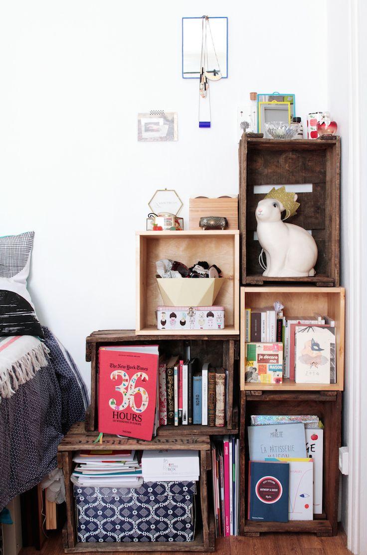 Caissons de bois, neufs Ikea, et cartons de bouteilles de vin vintage - Home tour Noémie Cédille
