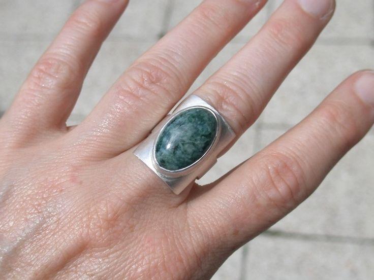 """JADE JAGUAR"", ring, sterling silver 950/1000, serpentinite"