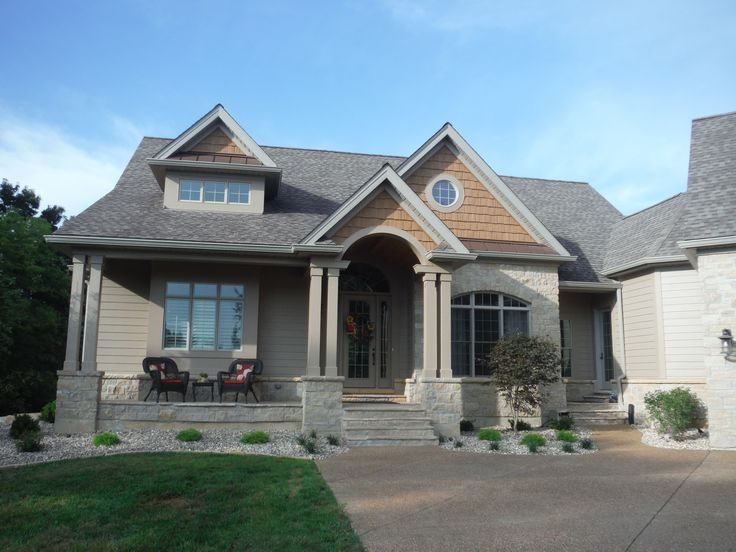 picture of the front of the house in james hardie cobblestone lap siding and jh shingle shake siding