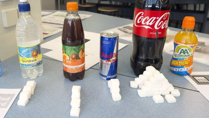 Frisdrankproducenten leveren vanaf volgend jaar alleen nog maar lightdranken aan middelbare scholen.