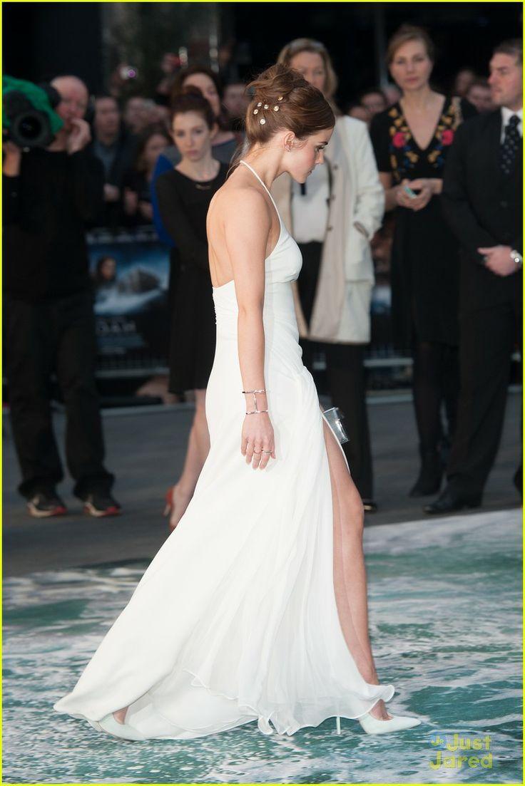 Emma Watson\u0027s Leg Takes Center Stage at \u0027Noah\u0027 London Premiere