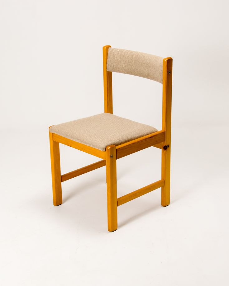 Danish Modern side chair in pine from Findahls Mobler.