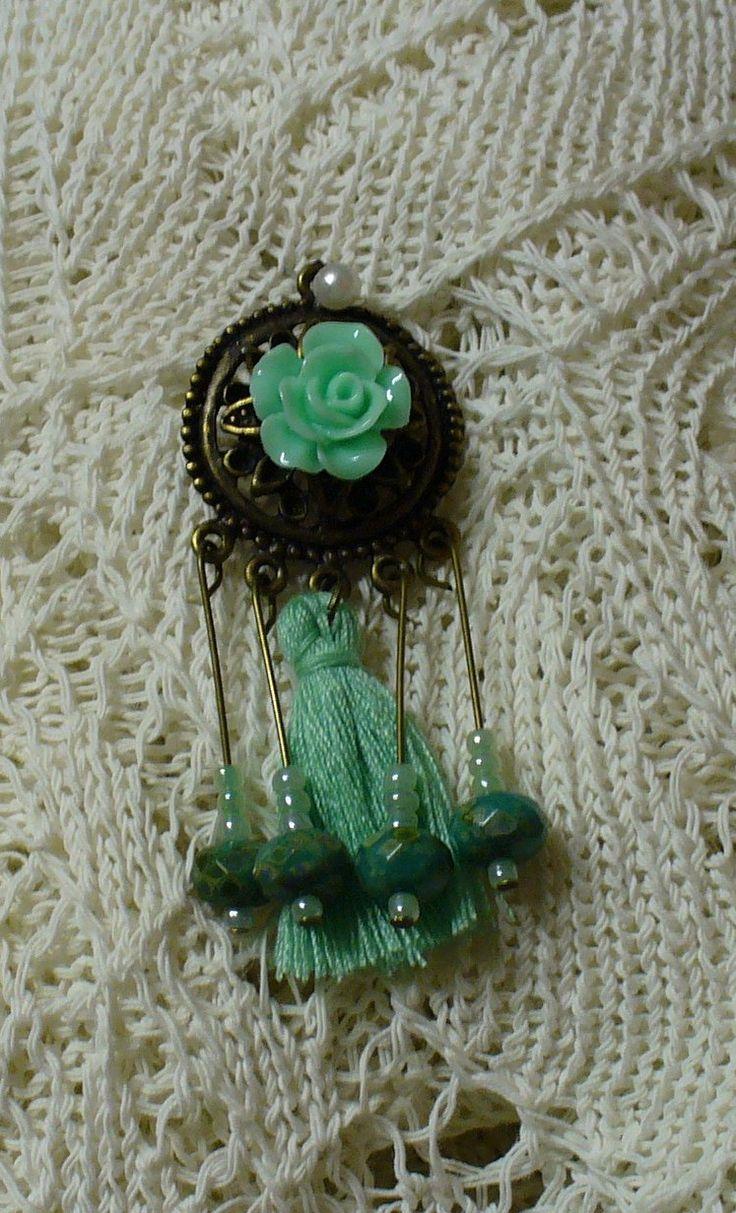 Zöld rózsa medál *Green rose pendant