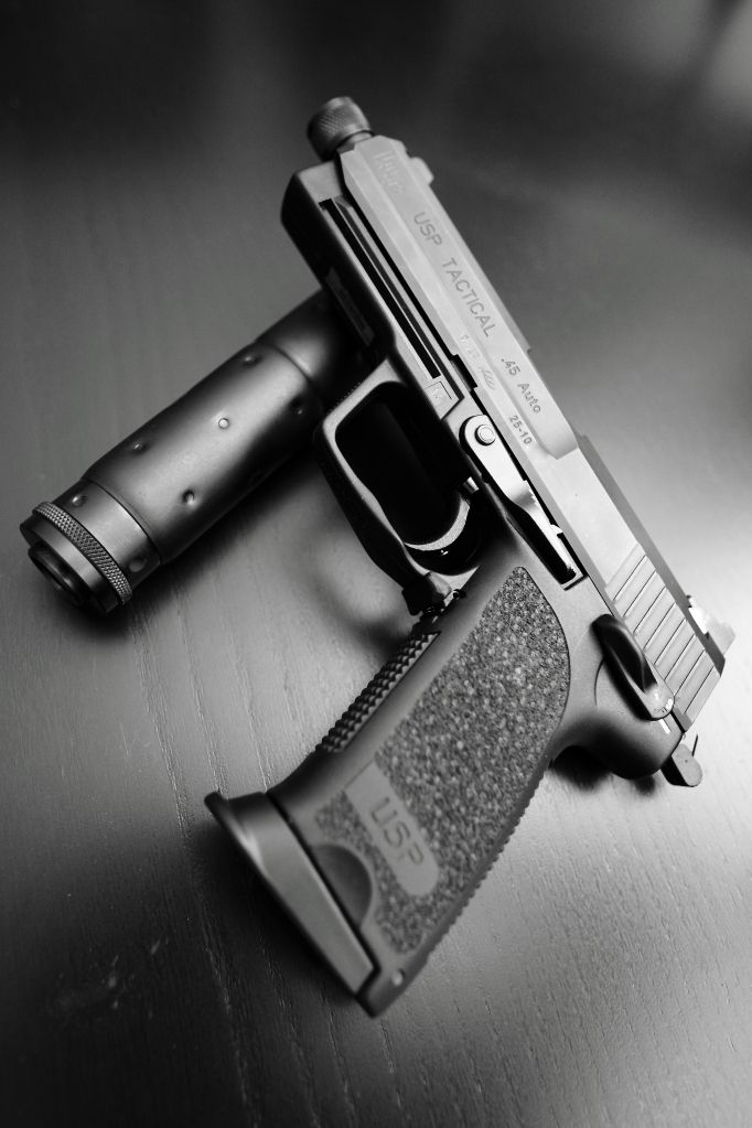 H&K USP Tactical .45 Find our speedloader now!  www.raeind.com  or  http://www.amazon.com/shops/raeind