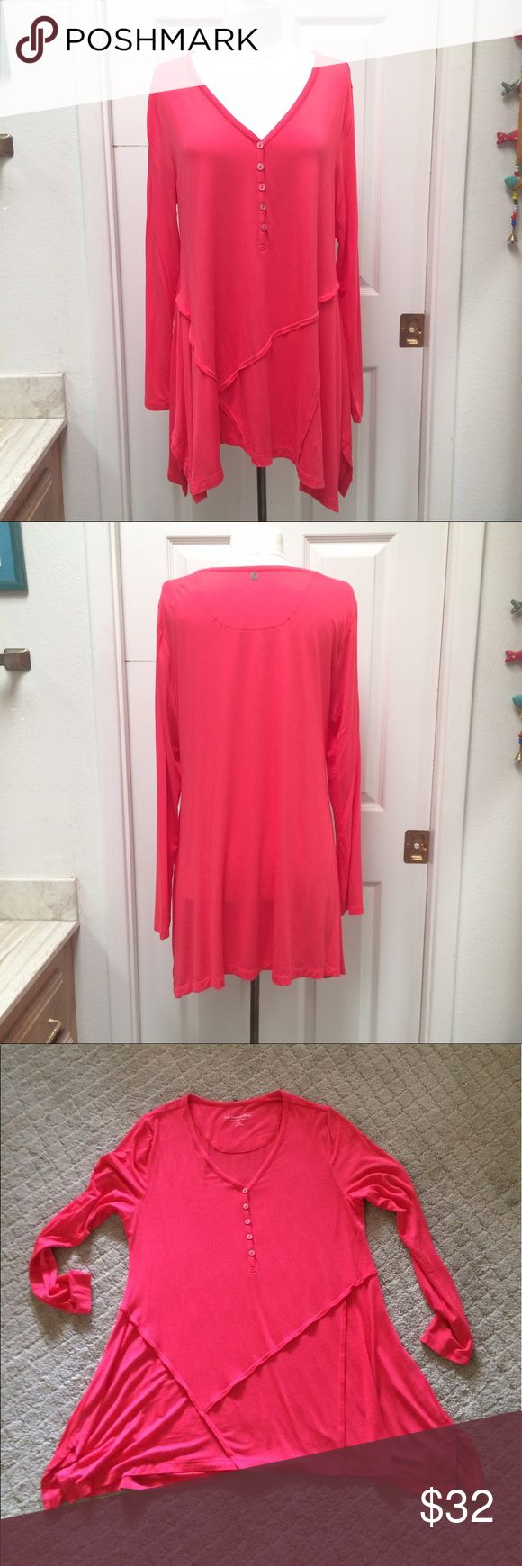 "Soft Surroundings Henley Tunic NWOT Beautiful coral Tunic. Very soft and flowing. Perfect with leggings or skinny jeans. Longer at sides with small side slits. Decorative stitching on bottom front. 20"" pit to pit and 30"" center length. 95% viscose, 5% spandex. NWOT Soft Surroundings Tops Tunics"