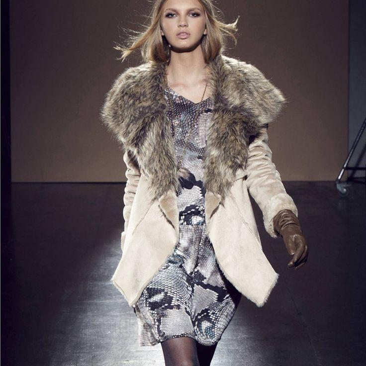 manteau imitation mouton retourn femme 1060 fausse. Black Bedroom Furniture Sets. Home Design Ideas