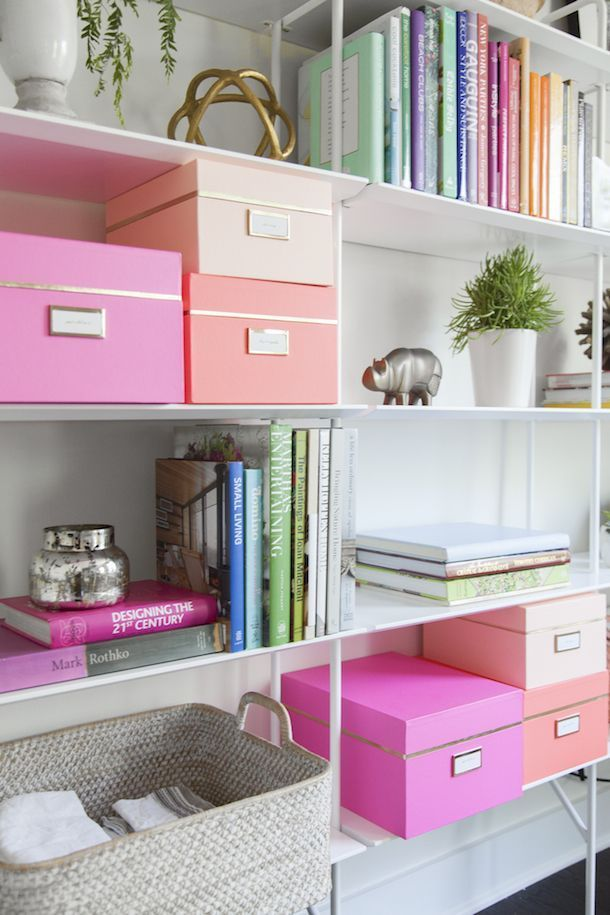If you're looking to streamline your bathroom, bedroom or office, there are a multitude of simple ways to keep organized and to easily access all your stuff without stressing out! Click for some serious re-organizing inspiration.