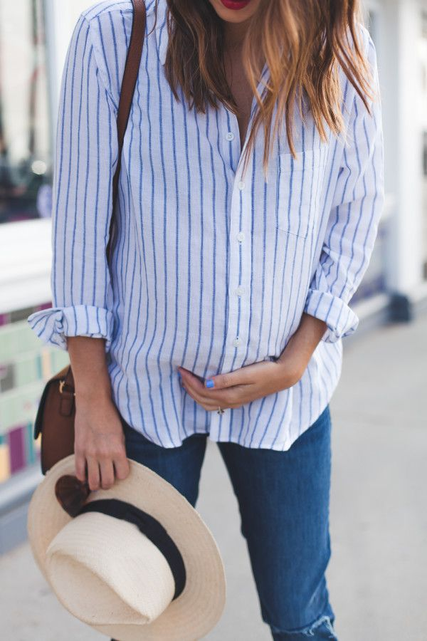 Must-have maternity style: a classic button down. #theblueshirtshop #dl1961 #theuniform @dl19